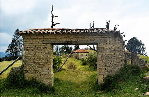"""Montepincio """"Ruinas de Cajicá"""""""